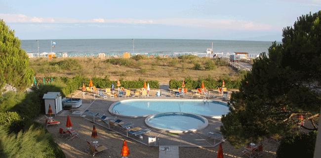 Foto originale scattata da me dalle finestre dell'hotel bertha - Jesolo pineta